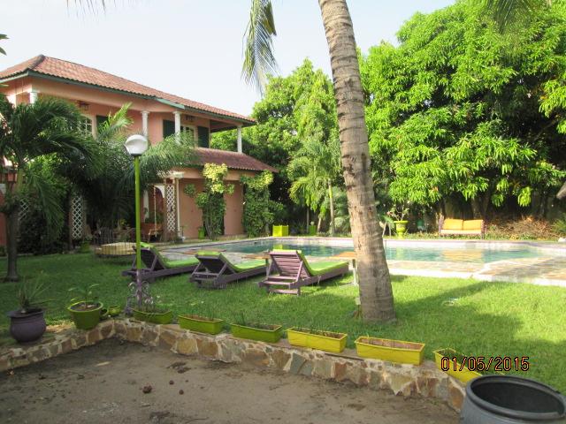 le palmier royal chambres d 39 h tes au benin cotonou afrique de l 39 ouest. Black Bedroom Furniture Sets. Home Design Ideas